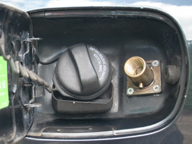 Volvo S40 met LPG vuller achter tankklep
